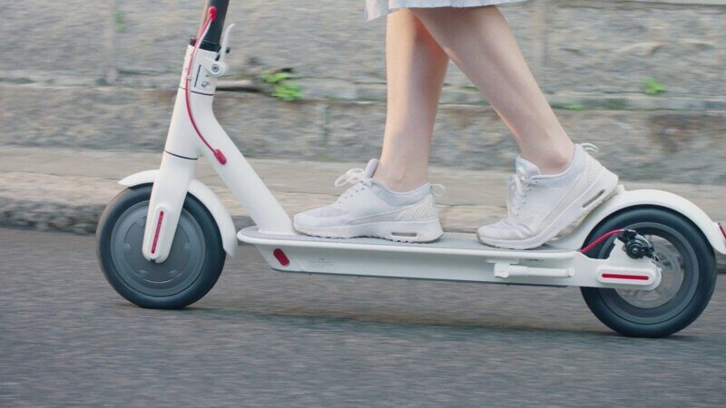 xiaomi-mijia-electric-scooter-white-3.jpg